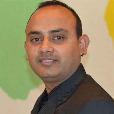 Pramod Rimal <br> The Mo:Mo: Chef
